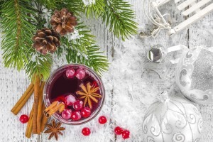 The Twelve Days of Holiday Cocktails